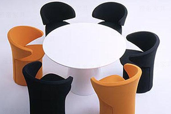 Focus 2 Chair 玻璃钢休闲椅Focus福克斯2 Chair喷烤漆Eero软包Aarnio阿尼奥接待
