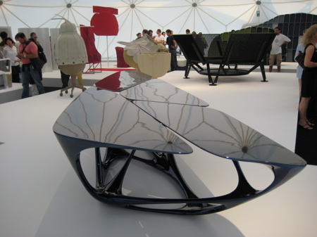扎哈哈迪德玻璃钢茶几Mesa table by Zaha Hadid 酒店厅咖啡桌 Mesa Table