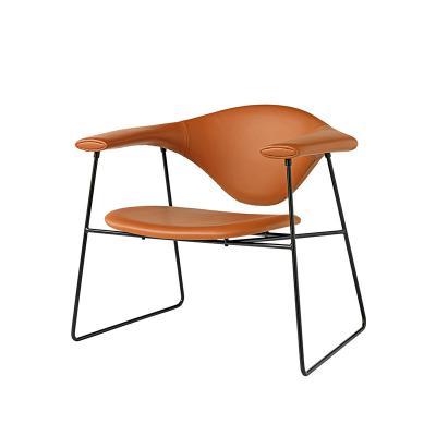 丹麦设计师椅休闲椅 五金椅 北欧经典家具 五金铁架烤漆软包男子汉餐椅厕所洗手台椅