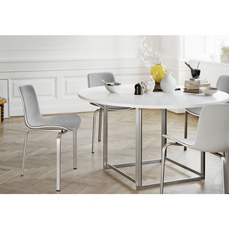 软垫椅子Poul Kjaerholm 餐椅 设计三支脚椅五金布艺仿皮真皮定制