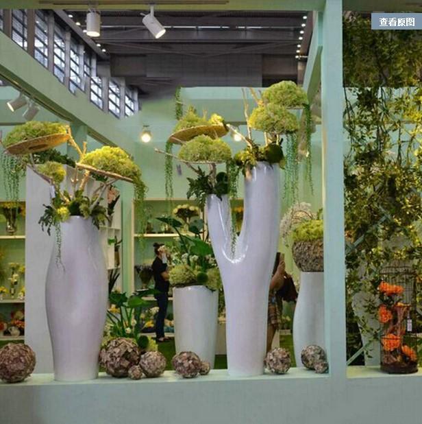 新款玻璃钢异形树干形花瓶 酒店户外商场个性摆件 VONDOM 会所装饰品