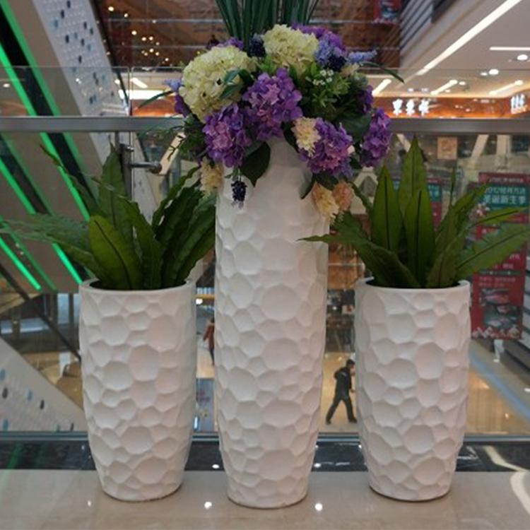 简约时尚白色异形花瓶 客厅花瓶 商场酒店摆件 景区时尚摆件