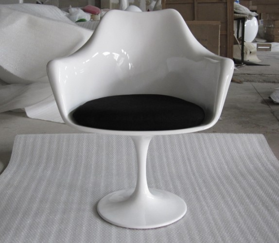 TULIP ARMCHAIR郁金香椅玻璃钢设计师郁金香扶手椅Eero Saarinen