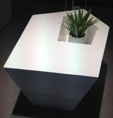 玻璃钢 菱形茶几北欧美简约经典创意时尚家具北欧美 定制家具