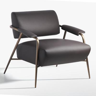 Potocco 2019年新款STAY lounge扶手椅 古铜色黄铜锥形脚金属杆 漂浮拥抱沙发椅