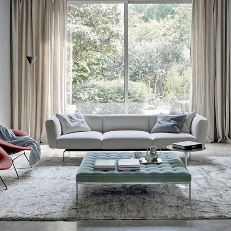 意大利  皮埃尔• 里梭尼 株式会社 三座位沙发 布艺脚踏当茶几使用