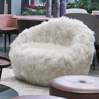 2019年 巴克斯特百特保拉·纳沃内 意大利设计师家具 毛绒丝手持沙发椅 Paola Navone