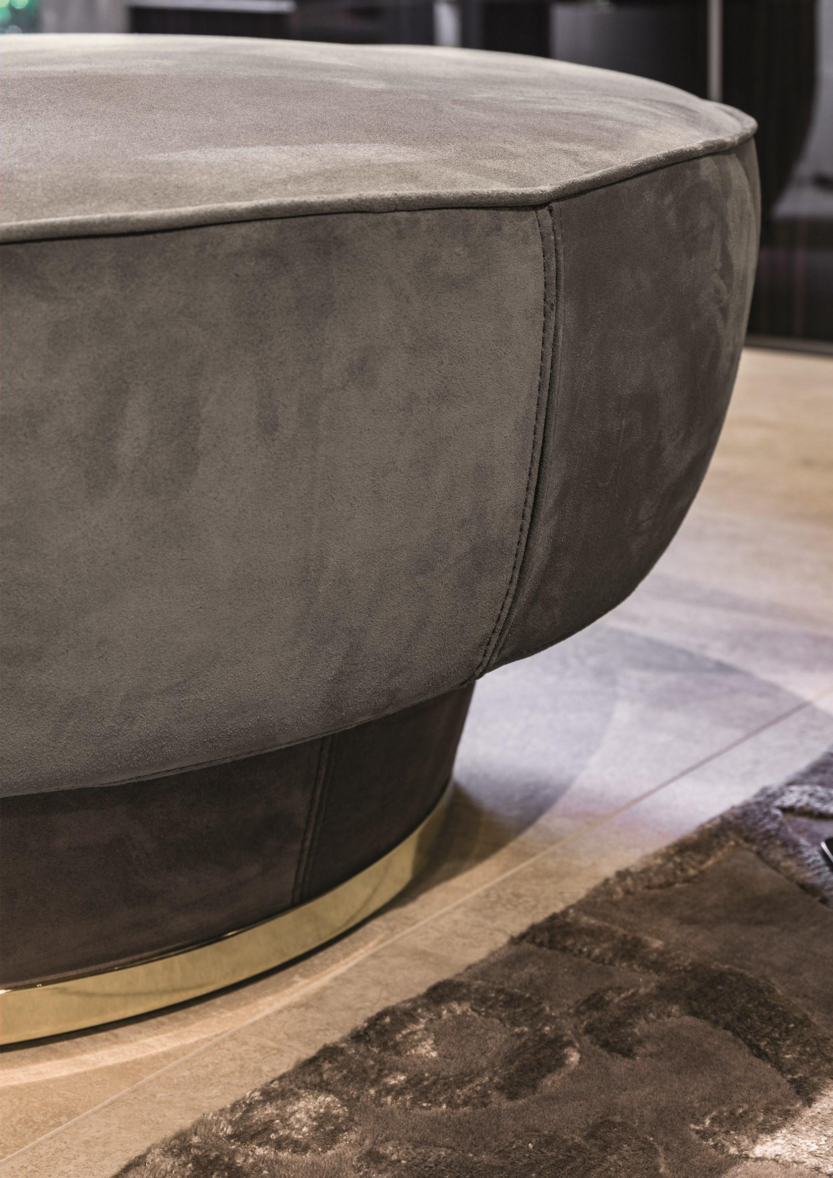 意大利Longhi 2019年新品Giuseppe Vigano  座垫凳茶几 两用家具不锈钢包边脚 圆形碗椅